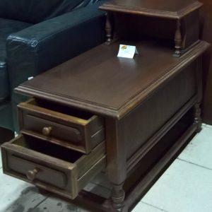 Шкаф с две чекмеджета