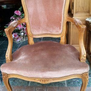 Стол, стил Луи 15