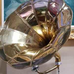 Грамофон с фуния – нов