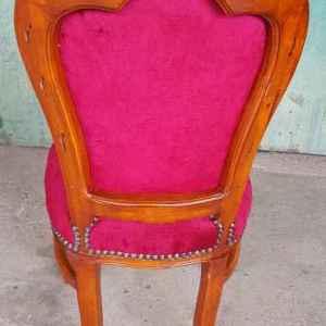 Стол с дърворезба,  червен плюж, бродерия с класически мотив, НОВ, внос от Нидерландия