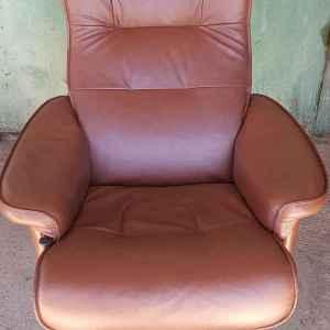 Релаксиращ стол от естествена кожа,  релакс-въртящ, внос от Нидерландия