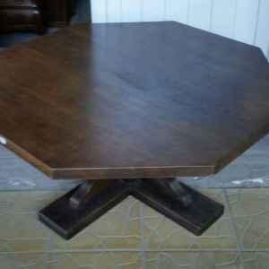 Холова маса с един крак, осмоъгълна,  дъб