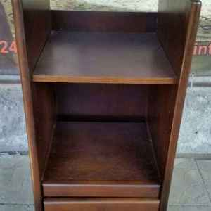Музикален шкаф с колелца и едно чекмедже, дъб