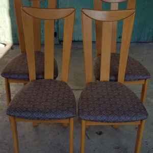 Комплект от четири броя трапезни столове,  дъб-дамаска,  внос от Белгия