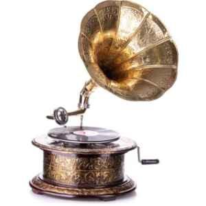 Грамофон кръгъл, механичен с фуния , дърво-месинг,  нов,  внос от Германия