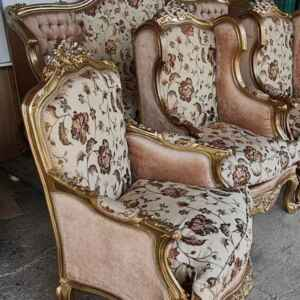 Холова гарнитура – барок, нова състояща се от диван-тройка, и четири броя фотьойли