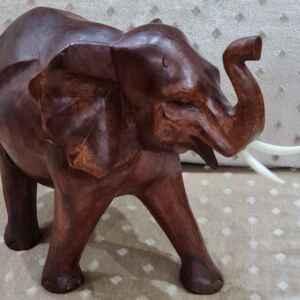 Декорация слон от дърво