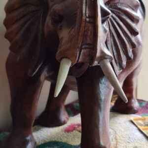 Декорация слон от дърво внос от Нидерландия