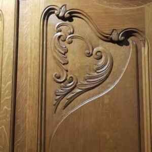 Спалня в стил Луи 14-ти състояща се от гардероб-четирикрилен, тоалетка с огледало, спалня160/200 см., подматрачни рамки, два броя нощни шкафчета.