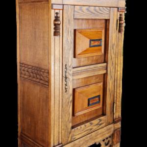 Шкаф от дъб внос от Белгия