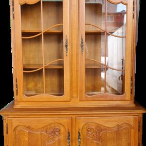 Витрина стил Луи 14-ти от дъб внос от Белгия.