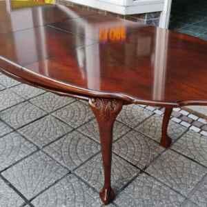 Трапезна маса-разтегателна стил Чипъндейл внос от Нидерландия