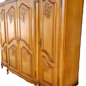 Гардероб в стил Луи 14-ти с четири врати,  дъб внос от Белгия.